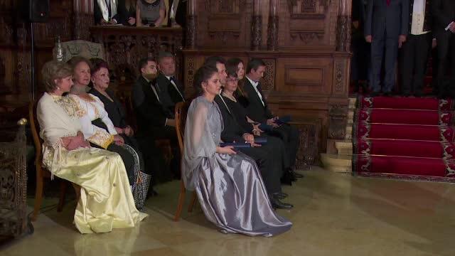 Ceremonii la Palatul Peles: Draga Olteanu, Tamara Buciuceanu, Sofia Vicoveanca si Maria Ciobanu, decorate de Casa Regala
