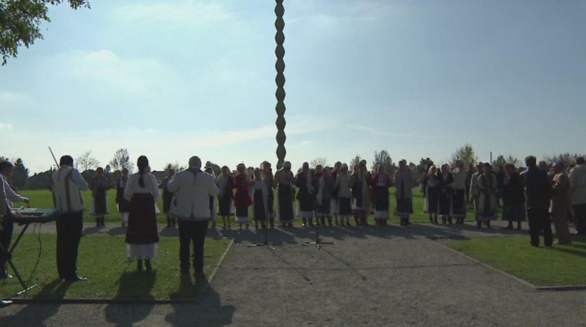 76 de ani de la inaugurarea operelor lui Constantin Brancusi de la Targu Jiu. Cati localnici cunosc semnificatia acestei zile