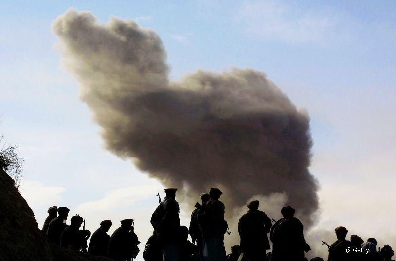 Talibanii au comis violuri si asasinate in masa in orasul Kunduz din Afganistan. Marturiile celor care au reusit sa fuga
