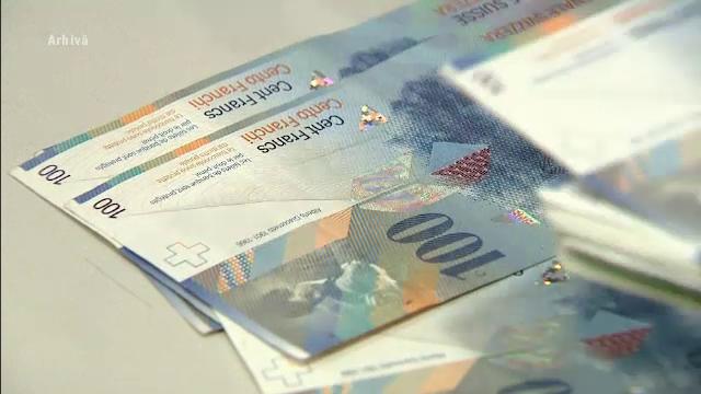 Proiectul prin care bancile pot converti in lei creditele in valuta a ajuns in Parlament. Cum ar urma sa aiba loc schimbarea