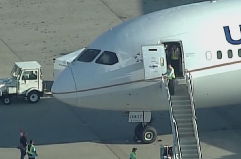 Aterizare de urgenta in SUA, dupa ce copilotul unui avion a lesinat. In ce stare se afla