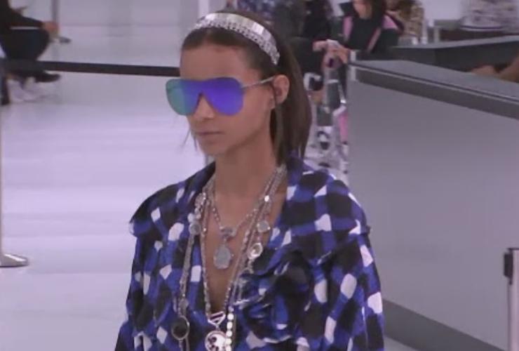 Femeia chic si mereu in miscare, la Saptamana Modei de la Paris. Creatiile prezentate de Chanel si Karl Lagerfeld