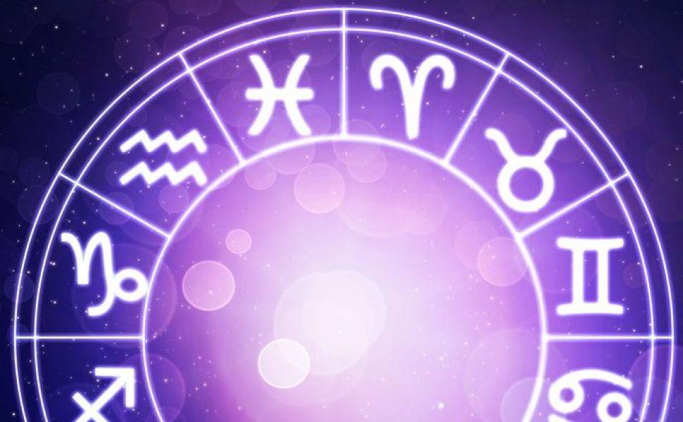 Horoscop zilnic, 9 noiembrie 2015. Balantele au parte de o zi cu surprize, iar Berbecii pot semna un nou contract