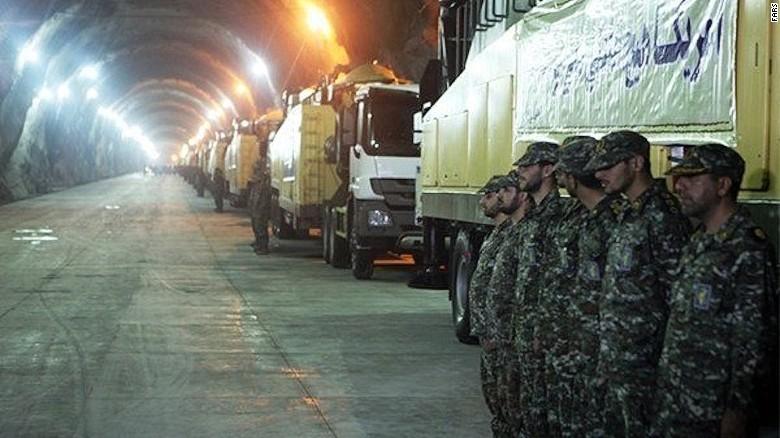 Televiziunea de stat iraniana a prezentat in premiera imagini cu o baza subterana unde sunt stocate rachete. FOTO si VIDEO
