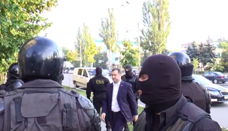 Vlad Filat ramane in arest inca 30 de zile. Fostul premier al R. Moldova este in greva foamei din 30 noiembrie