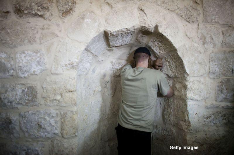 Palestinienii au incendiat mormantul lui Iosif din Cisiordania. Situl, atacat cu cocteiluri Molotov