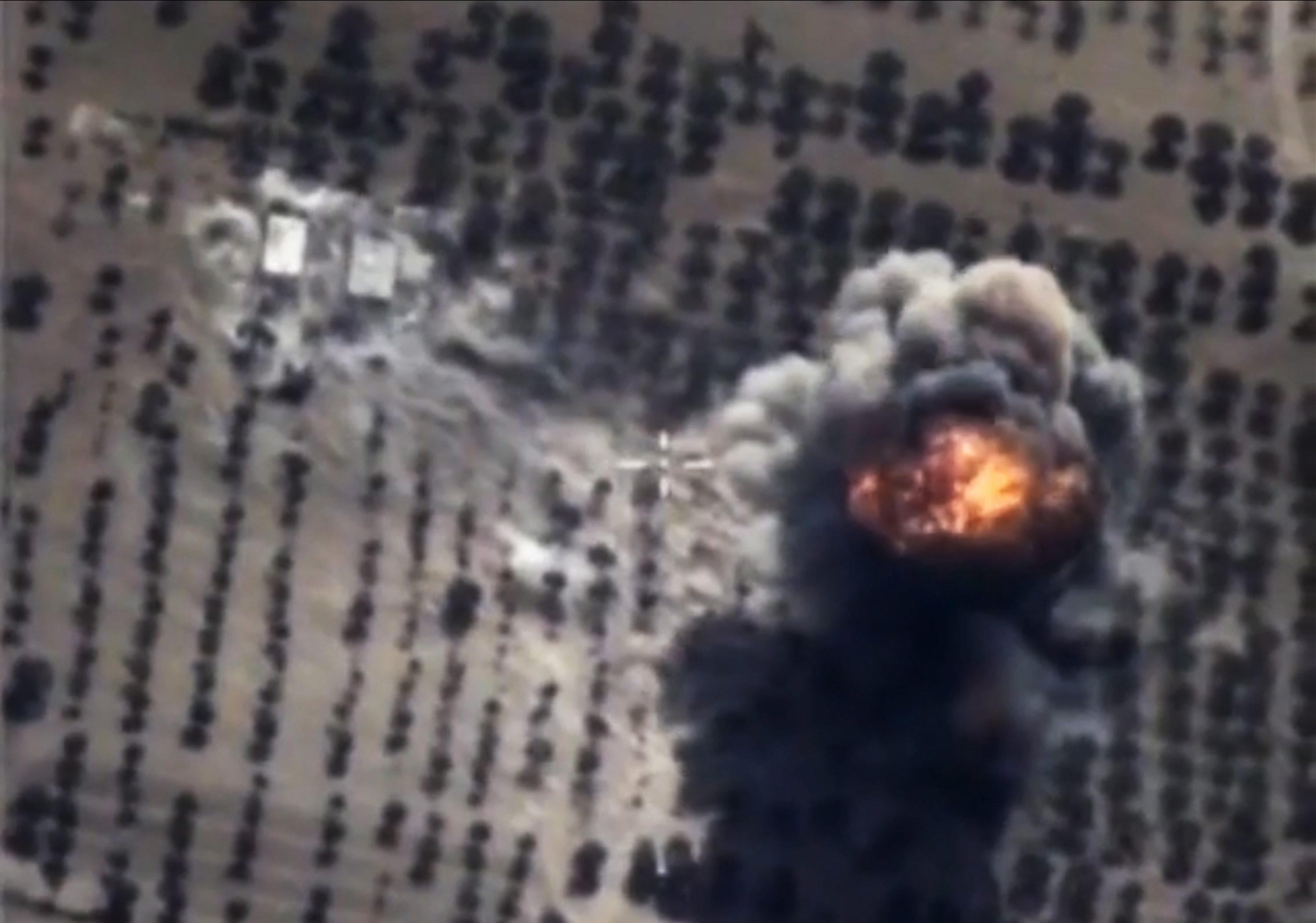 Rusia a lansat raiduri aeriene asupra unor tinte ISIS din Siria. Atentat cu masina-capcana intr-o tabara de refugiati