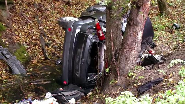 Tragedie in Brasov. Doi oameni au murit, dupa ce s-au prabusit cu masina intr-o rapa