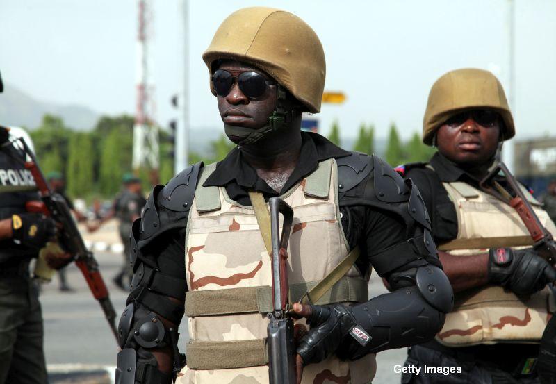 Atentate teroriste la doua moschei din Nigeria. Cel putin 30 de morti si 96 de raniti