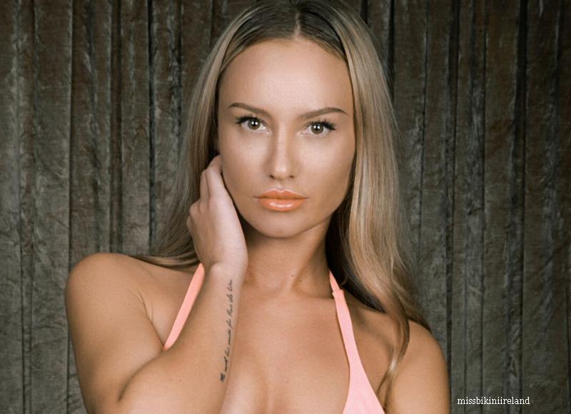 O moldoveanca face furori cu corpul ei in Irlanda. Cum arata tanara care a luat locul 3 la concursul Miss Bikini 2015