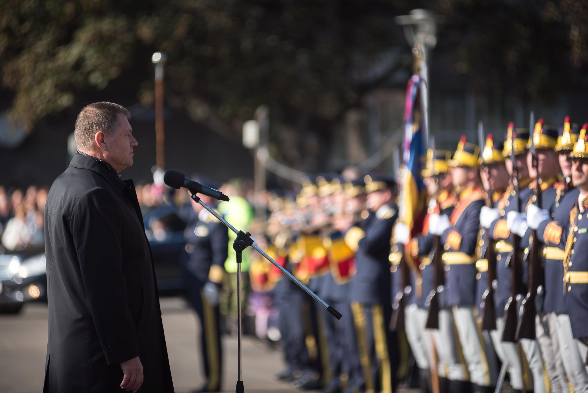 Festivitati de Ziua Armatei. Klaus Iohannis, prezent la locul unei batalii in care romanii au respins trupele germane