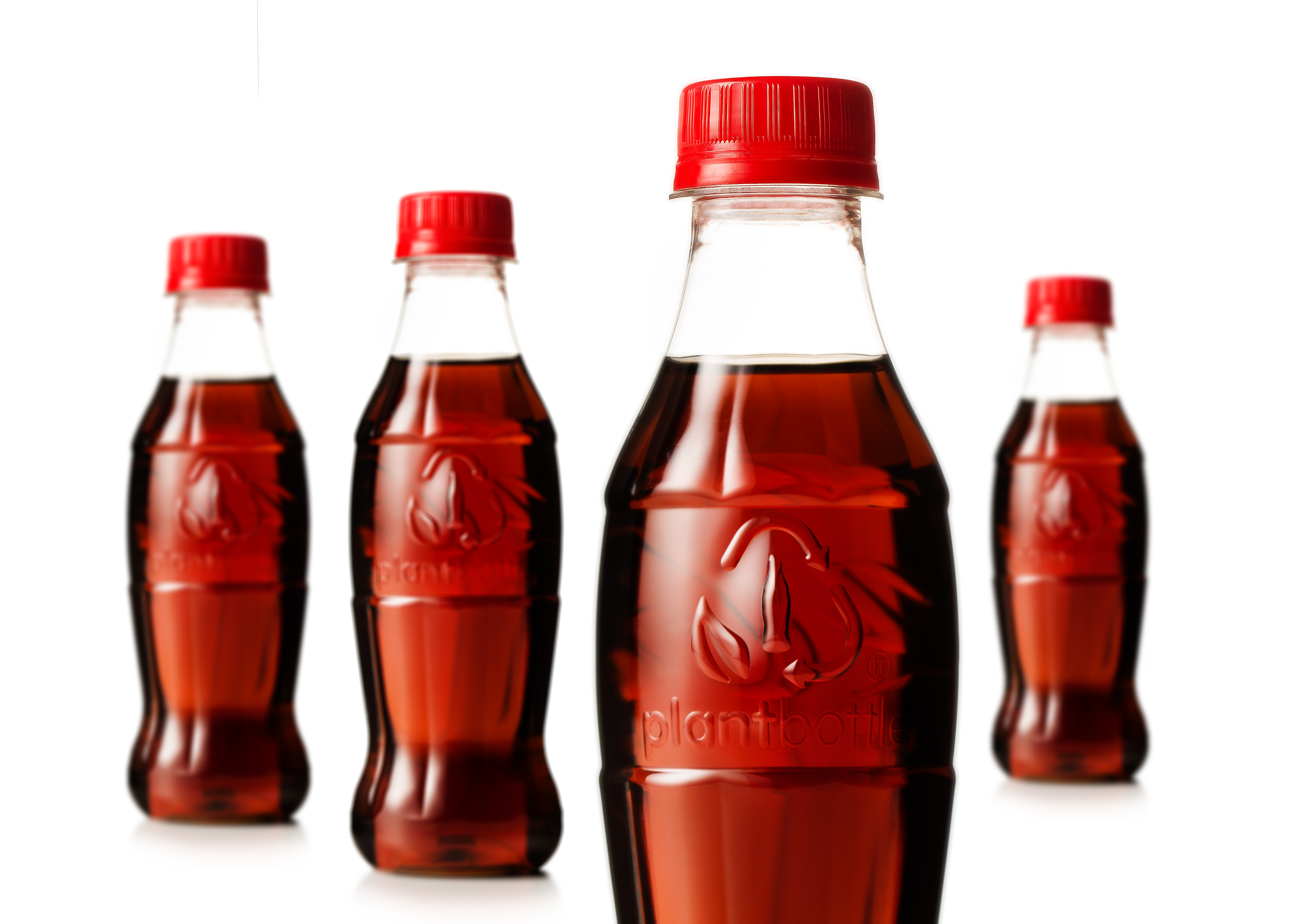 (P) Asa arata prima sticla Coca-Cola facuta exclusiv din plante. Cum a evoluat sticla simbolica in ultimii 100 ani