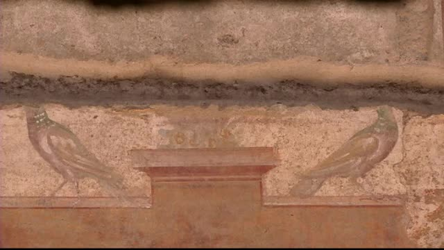 Vila imparatului roman Augustus, de la poalele Vezuviului, a fost dezgropata din cenusa vulcanica pietrificata de 1500 de ani