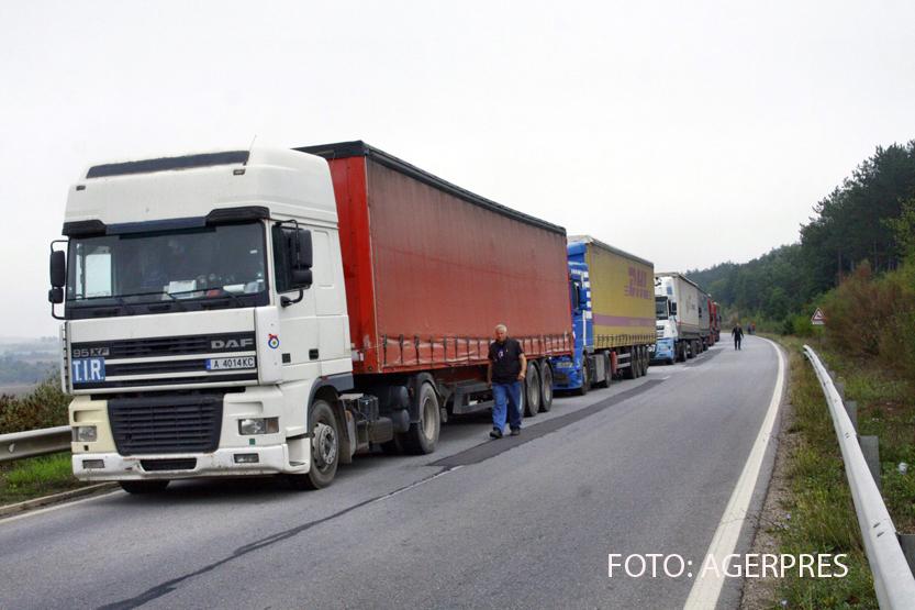 129 de refugiati, gasiti intr-un camion frigorific cu destinatia Romania. Aproape jumatate dintre ei erau copii