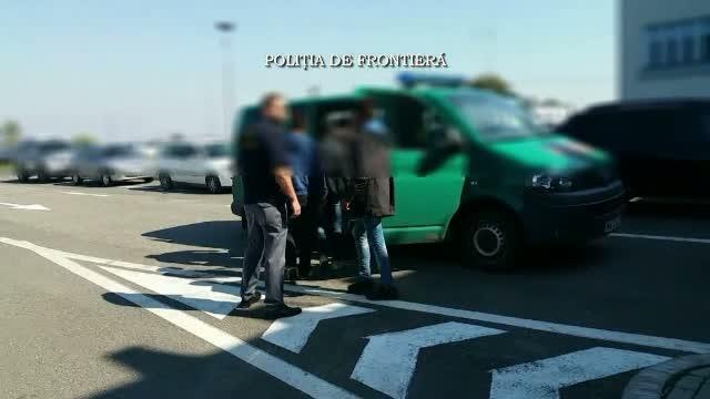 Doua calauze sarbe, prinse de politistii de frontiera din vestul tarii. Incercau sa ajute 11 imigranti sa treaca ilegal
