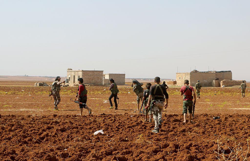 Atac decisiv pentru un oras sirian, ocupat de ISIS de 2 ani.