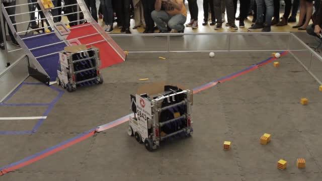 Una dintre cele mai importante competitii de robotica ajunge si in Romania. Cum puteti participa la First Tech Challenge