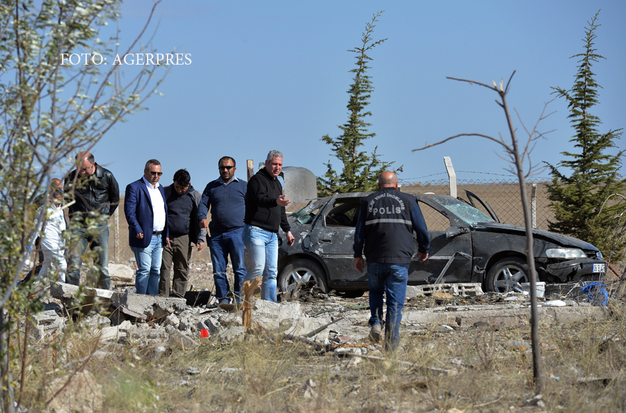 Doi atentatori sinucigasi s-au aruncat in aer langa Ankara atunci cand politia i-a incercuit. Autoritatile dau vina pe kurzi