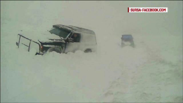 Stratul de zapada a ajuns la 30 de centimetri in Pasul Prislop. Transfagarasan a fost inchis