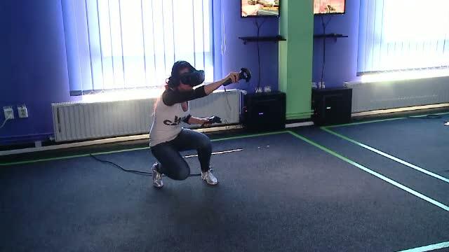 Clubul de realitate virtuala si terenul de minigolf, investitiile catorva tineri din Cluj. Cat costa o ora de jocuri