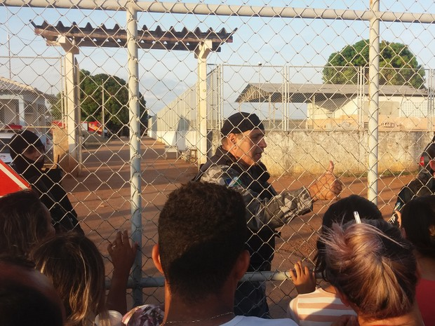 Confruntari violente intre doua bande, intr-un penitenciar din Brazilia. 25 de detinuti morti, decapitati si arsi de vii