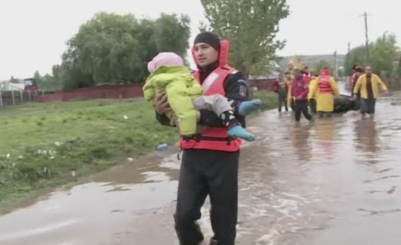 Ancheta de proportii dupa inundatiile din judetul Galati. Descoperirea ingrijoratoare facuta de Ministerul de Interne