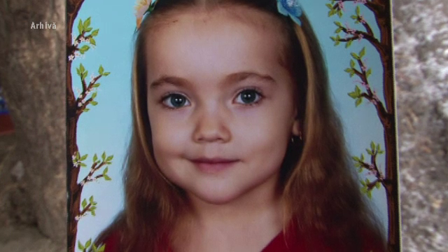 Trei medici din Bacau, trimisi in judecata pentru moartea unei fetite rapusa de rabie, in 2011. Ce despagubiri cere mama
