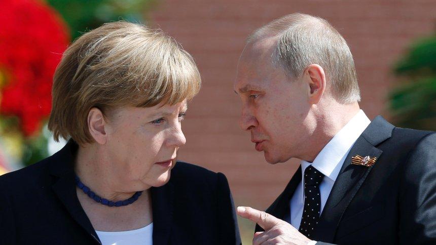 Vladimir Putin ajunge azi la Berlin pentru prima data in ultimii 4 ani. Ce va discuta cu Merkel si Hollande