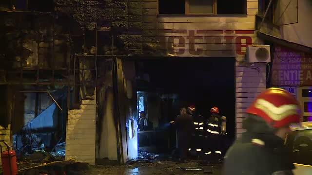 Incendiu violent intr-un cartier din Sectorul 4 al Capitalei: un service auto a fost distrus de flacari