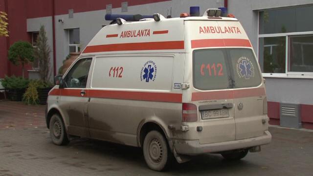 Doua femei si un barbat injunghiati la Sibiu, pe strada, de o persoana fara adapost. Victimele, duse la spital