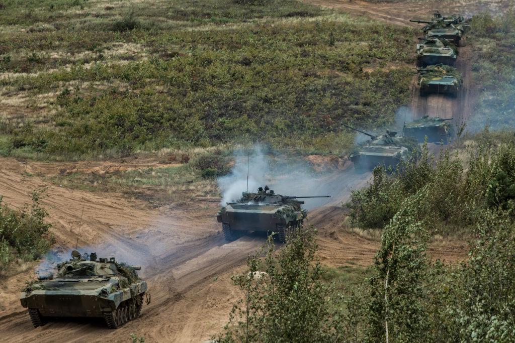 Rusia ar fi avut de 3 ori mai mulţi militari la Zapad decât anunţase oficial