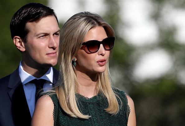 Ivanka Trump și Jared Kushner ar fi folosit o adresă comună de email, pe care își trimiteau documente de la Casa Albă