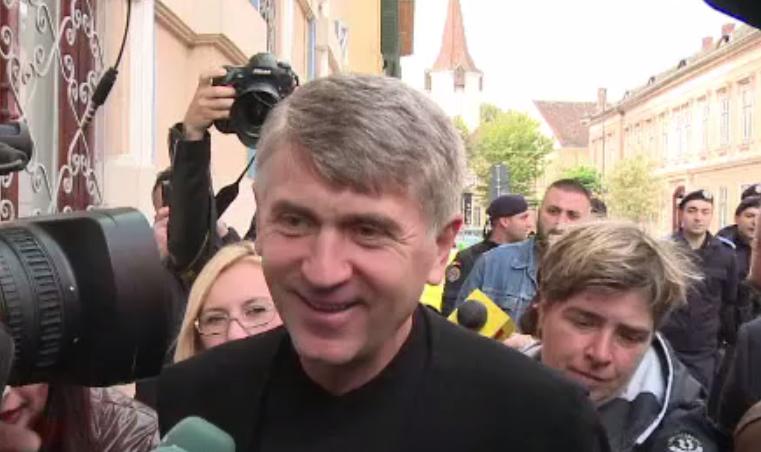 Cristian Pomohaci, retras dintr-un concert, în Galați. Localnicii au amenințat că îl atacă cu ouă