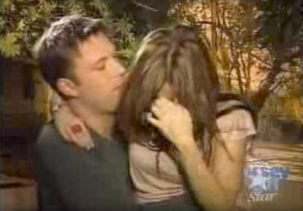 Imaginile în care Ben Affleck atinge indecent o prezentatoare. Reacția ei cand îi cere să se dezbrace. VIDEO