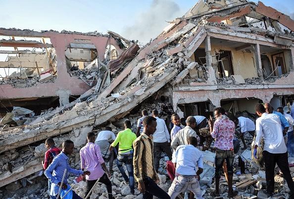 Somalia: Atentatele de la Mogadishu s-au soldat cu moartea a 215 de persoane; 350 de oameni sunt răniţi