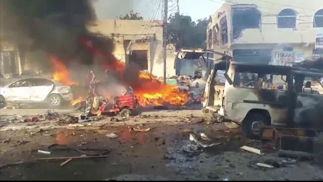 Atentatul din Mogadishu: 276 de morţi şi sute de răniţi. Zona arată ca după bombardament