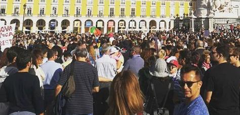Mii de oameni au protestat în Lisabona față de Guvernul Portugaliei