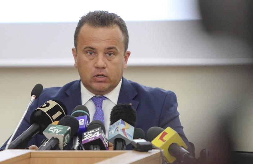 Fostul ministru al Educației, Liviu Pop, a postat pe Facebook un mesaj controversat