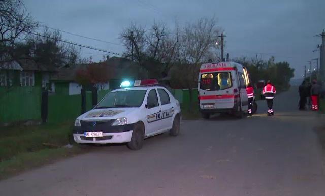 Copil mort în Vaslui, după ce și-a prins capul în geamul electric al mașinii. Băiatul era singur acasă