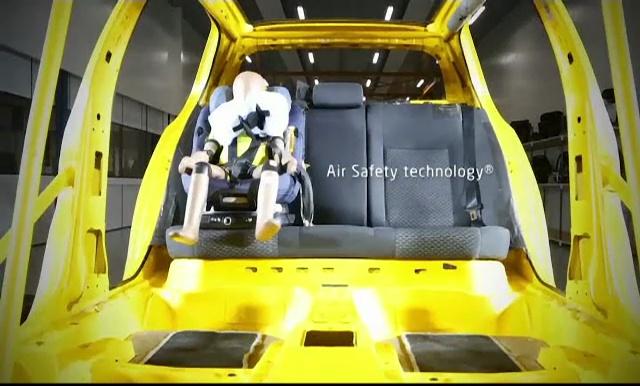 Airbag-uri speciale pentru copii, lansate la Londra