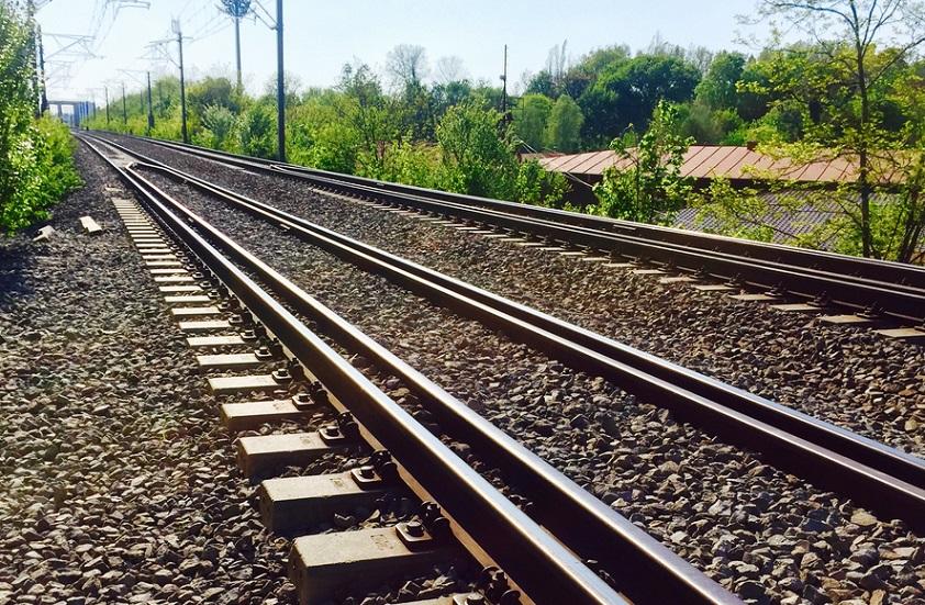 Trafic blocat pe calea ferată, din cauza unei locomotive defecte