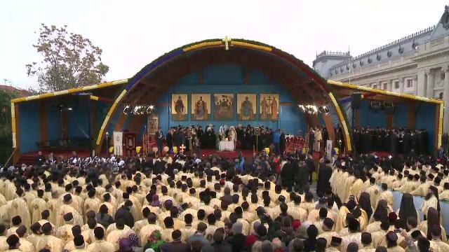 Pelerinajul Sf. Dumitru din Capitală a atins punctul culminant odată cu sosirea Patriarhului Kiril