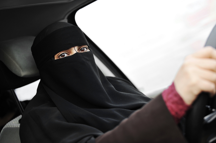 Femeile saudite se vor putea urca la volan, din 24 iunie