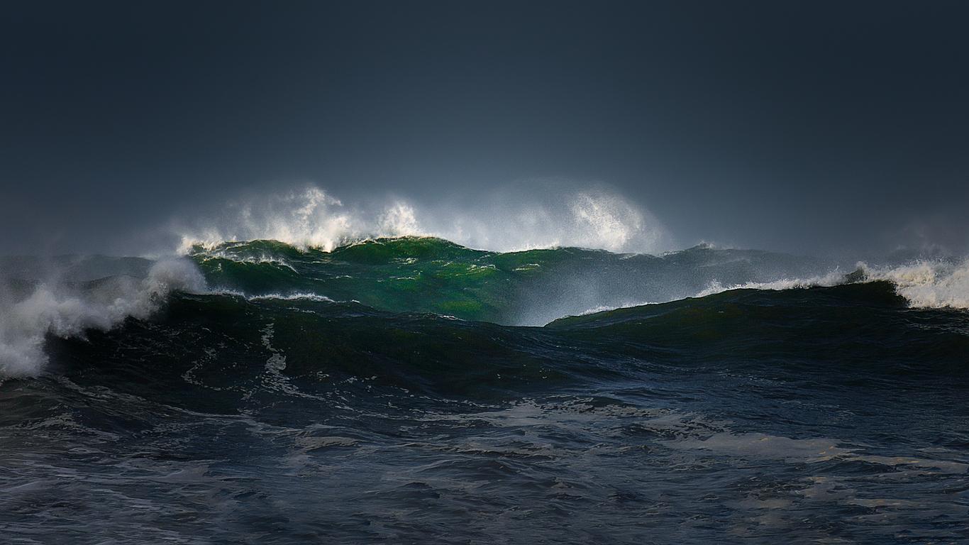 Alertă de valuri înalte de 4 metri emisă în Puerto Rico pe fondul intensificării furtunii Leslie