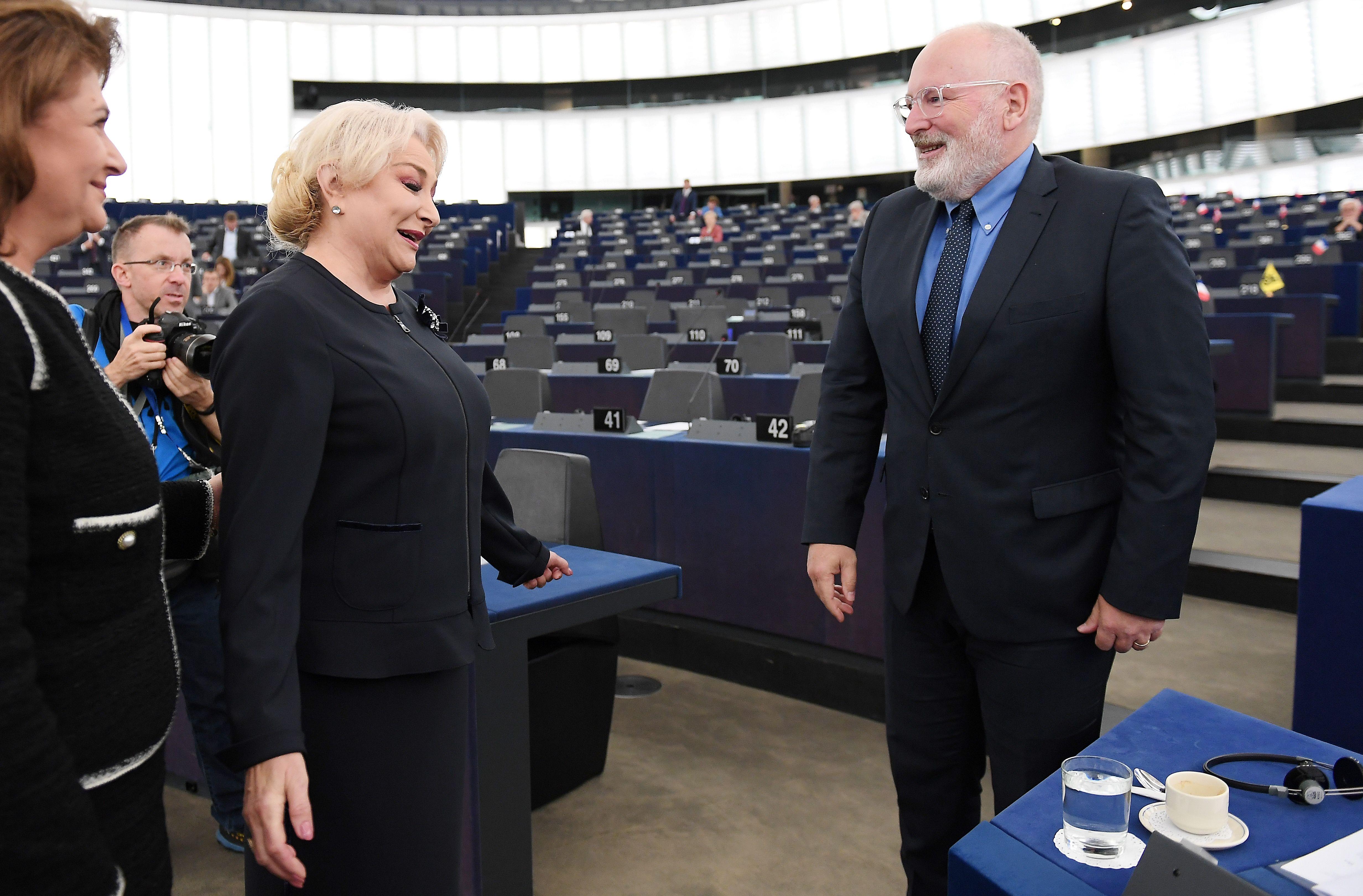 Timmermans i-a scris lui Dăncilă pe tema OUG privind recursul în anulare