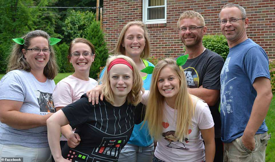 Povestea celor patru surori care au murit in cel mai grav accident rutier din SUA. Sarbatorita se casatorise recent