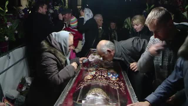 Hramul Sfintei Parascheva. Credincioșii cred că de ziua ei are o putere mai mare