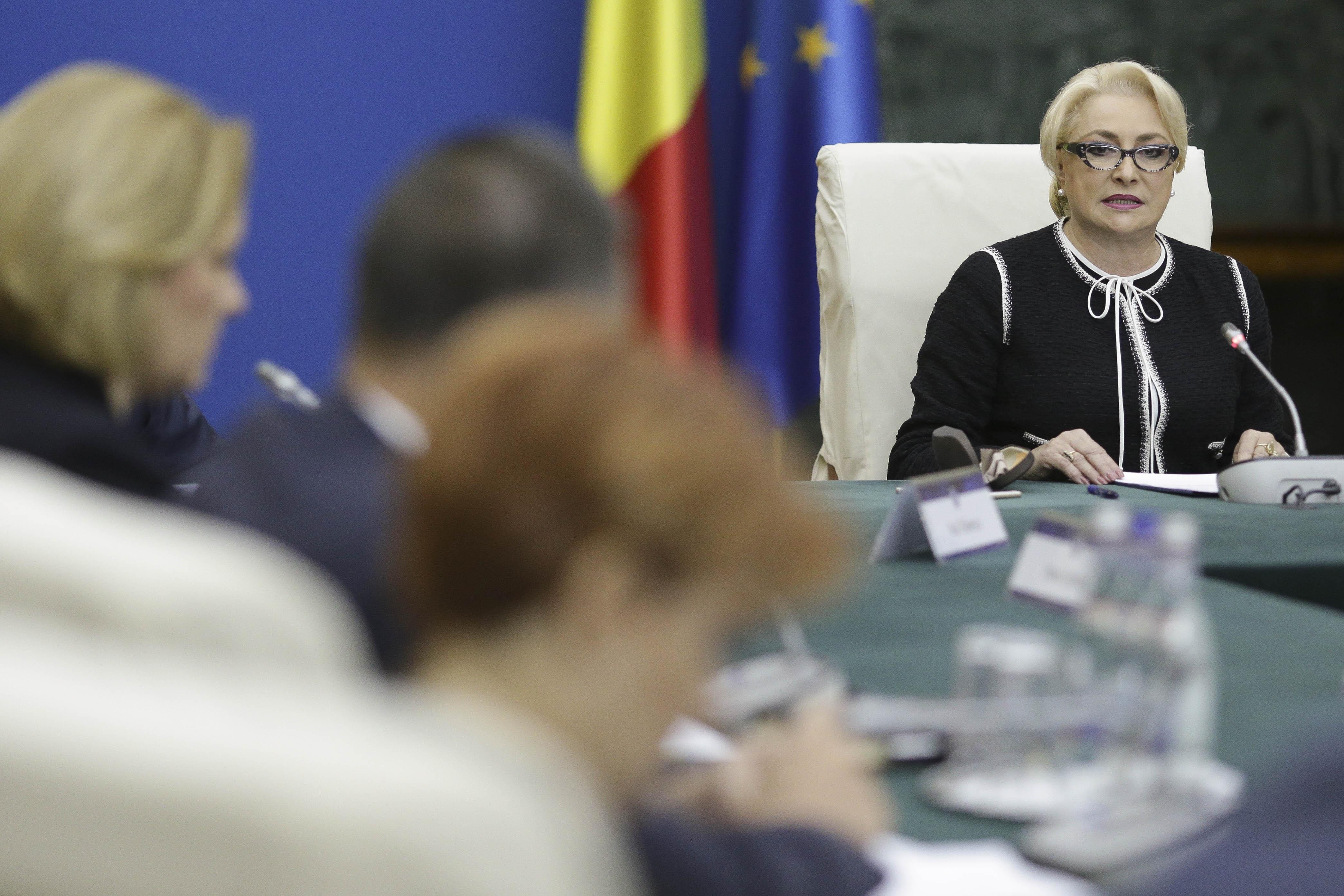 Guvernul României ar putea finanţa filme cu Gerard Butler, Steven Seagal şi Nicolas Cage