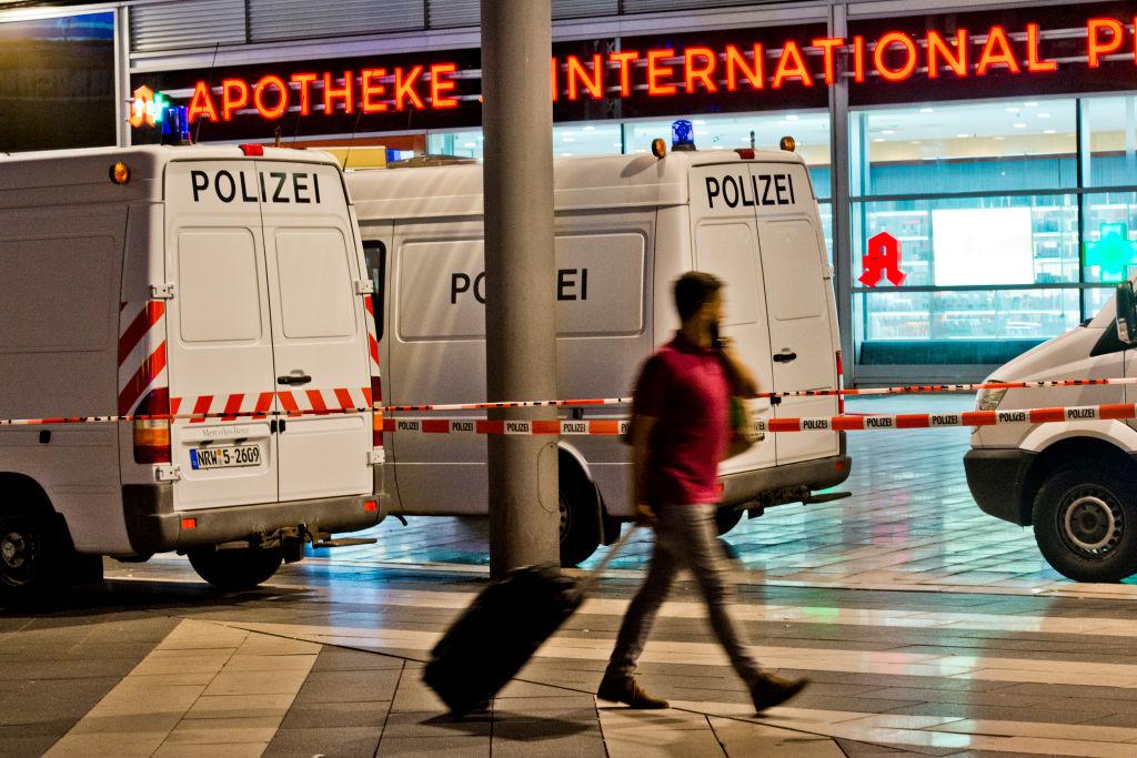 Alertă antiteroristă în Germania. Ce ar fi strigat suspectul în timpul atacului din Koln