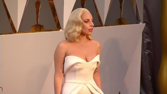 Lady Gaga a anunțat cu cine s-a logodit. Ce profesie are bărbatul